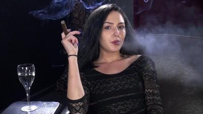 bree-cigar1j