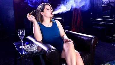 molly-cigar1j