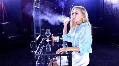 lisa-cigar1j